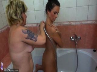 Old Mom And Her Daughter Is Playing With Pussy In The Bathroom