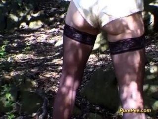 Wild Peeing Chicks
