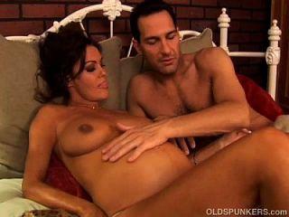 Pretty Pregnant Mature Brunette Loves The Taste Of Cum