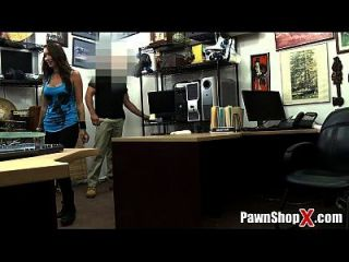 Tattooed Amateur Pawns Her Record Collection And Her Ass Xp14555 Hd