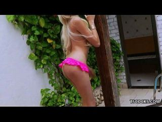 Tranny Britney Colucci Fucks A Hung Guy Next To A Pool