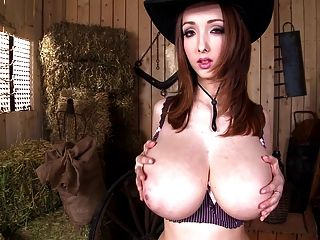 Lucie Wilde-the Good, The Boobs & The Beauty (720p)