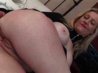 Kinky British Mother Working Her Wide Pussy