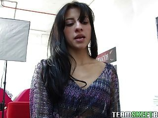 Oyeloca Hot Latina Vanessa Suarez First Time Hardcore Porn