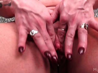 Black lesbian ass licking videos