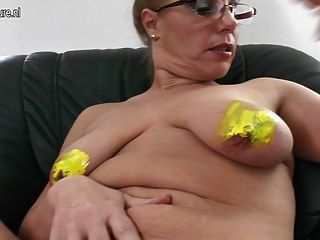 Nerdy Mom With Old Cunt And Saggy Tits