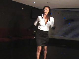 Diosa Executive Whip Mistress