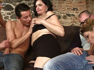Mom Sex Sons Group