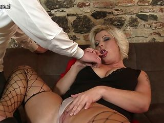 Sexy Chubby Mom Fucking And Sucking Not Her Son