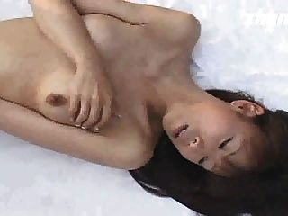 Japanese Girl Masturbation In Front Of The Lion