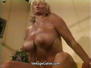 Muscled Chesty Granny Lifts Weights All Naked (vintage)