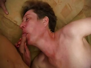 Amature deepthroat slut