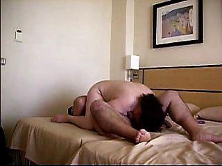 Mi Gorda En Un Hotel