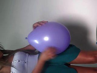 Sit To Pop Balloon Latina With Big Ass