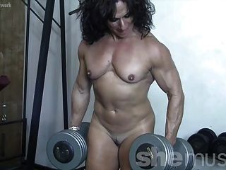 Annie Rivieccio - She Loves Training. And Getting Naked.
