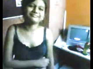 Desi Secretary