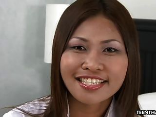 Cute Thai Slut Gets Her Wet Pussy Creampied