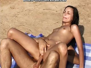Cool Outdoor Sex Film With Cumshot