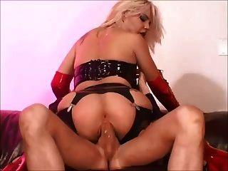 Nasty Blonde Missy