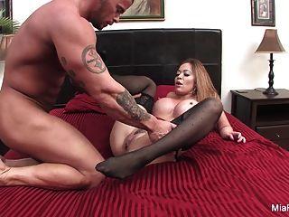 Hottie Mia Lelani Gets Some Big Italian Sausage