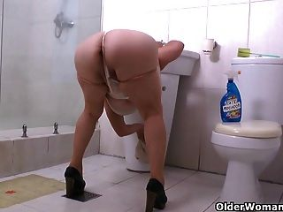 My Favorite Videos Of Latina Milfs Cleaning
