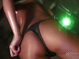 Ruri Kinoshita Shows All In Sexy Dance (uncensored Jav)