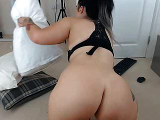 Awesome Sexy Pawg Shaking That Ass