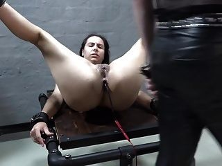 Slave Aijana Machine Fuck