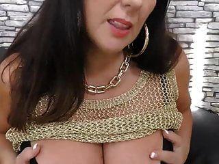 Mature Super Mom With Big Natural Tits